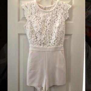 BEBE White Lace Open-back Romper - Size 4